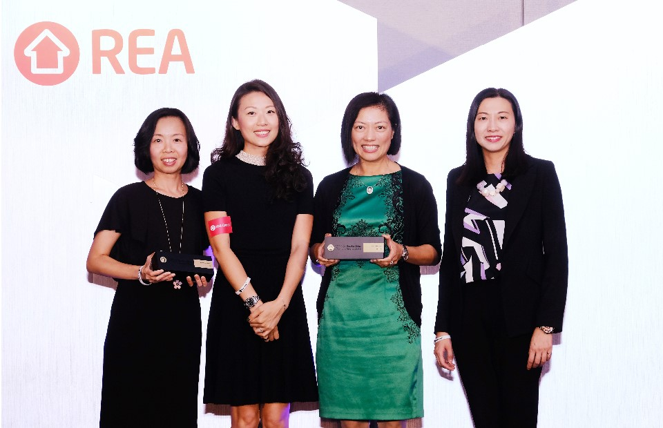 "Mia Cucina and TGC were honored ""Best Kitchen Design"" and ""Best Kitchen Appliance"" under ""REA Greater China Awards 2018"""